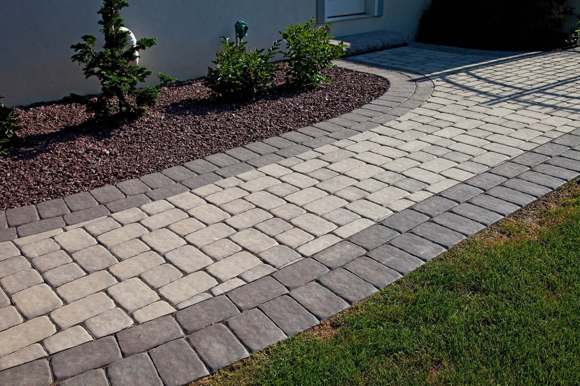 EP Henry paver in Old Towne Cobble #walkways #pavers