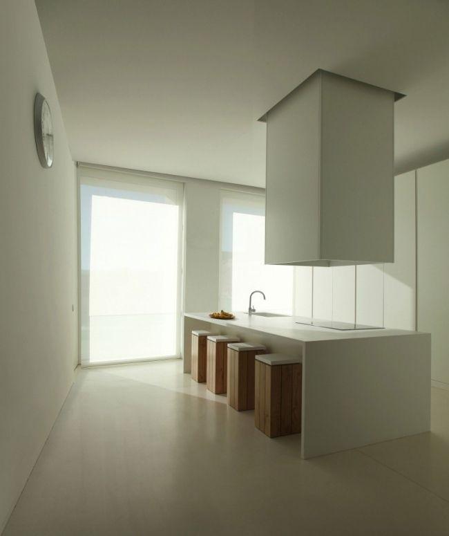 minimalistische k che desgn essbereich holz barhocker abzugshaube ontinyent interieurs. Black Bedroom Furniture Sets. Home Design Ideas