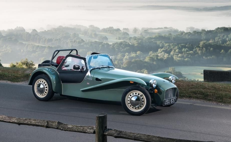 Caterham ups the old-school design ante with the Seven Sprint | The ...