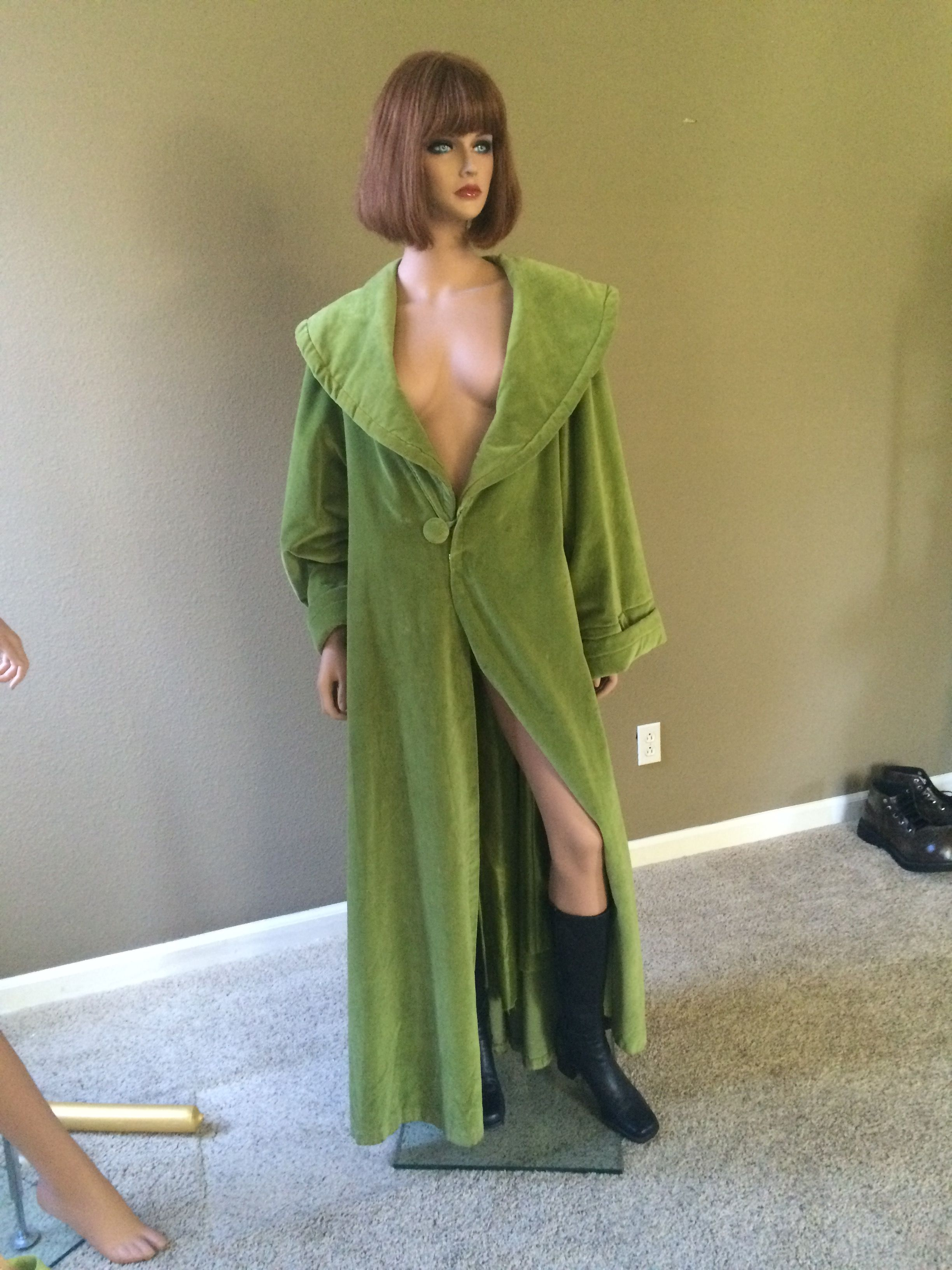 Maude Lebowski\'s green robe. | Costumes | Pinterest | Robe ...