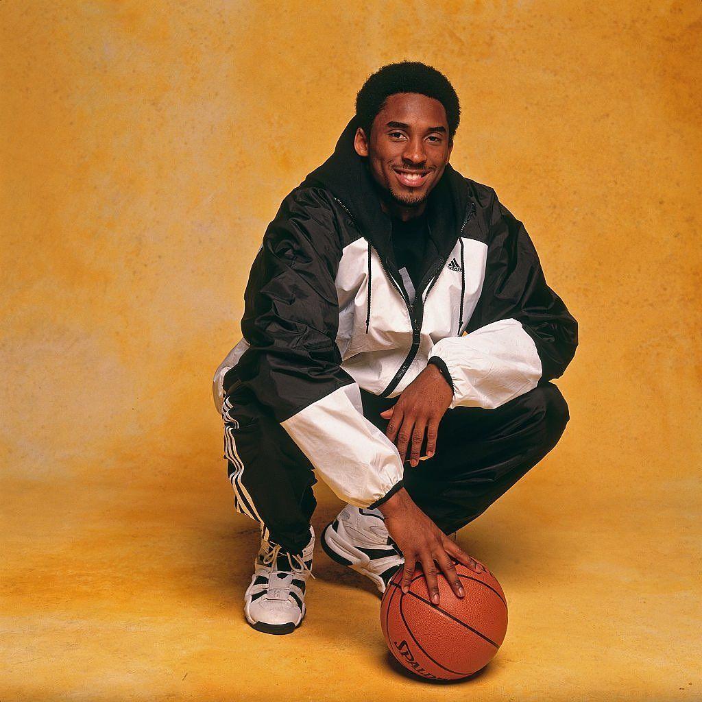 Iconic Basketball Moments On Instagram 1998 Nba All Star Weekend Portraits February 6 1998 Kobe Bryant Kobe Bryant Pictures Kobe Bryant Black Mamba