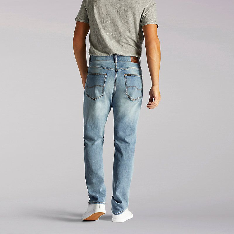 5d5c9f60 Lee Men's Extreme Motion Athletic Tapered Leg Jeans (Size 32 x 36 ...