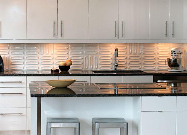 Dimensional heath ceramics up date the back splash in for Dimensional tile backsplash