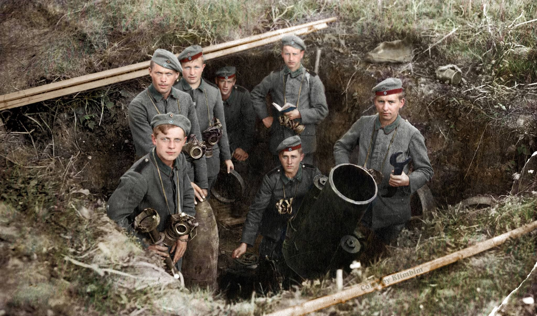 German 25 cm schwerer Minenwerfer (mine-thrower). | History war, World war  one, Colorized photos