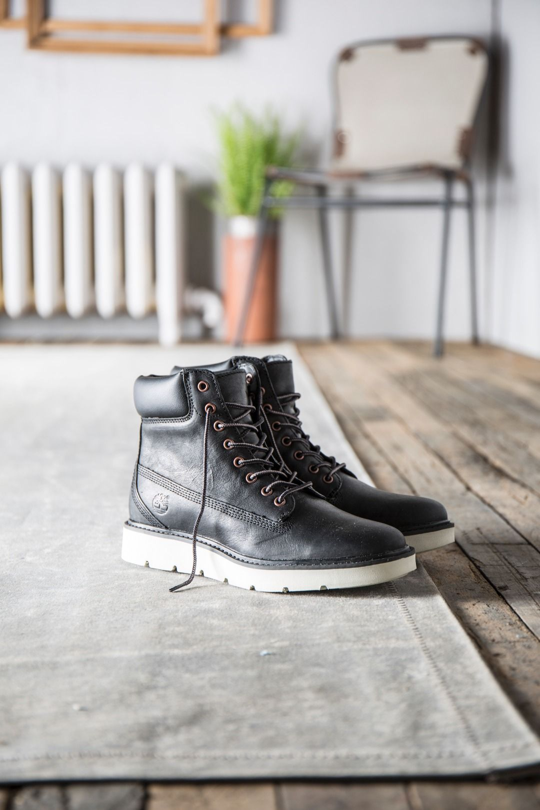 Women's Kenniston 6 Inch Lace Up Boots