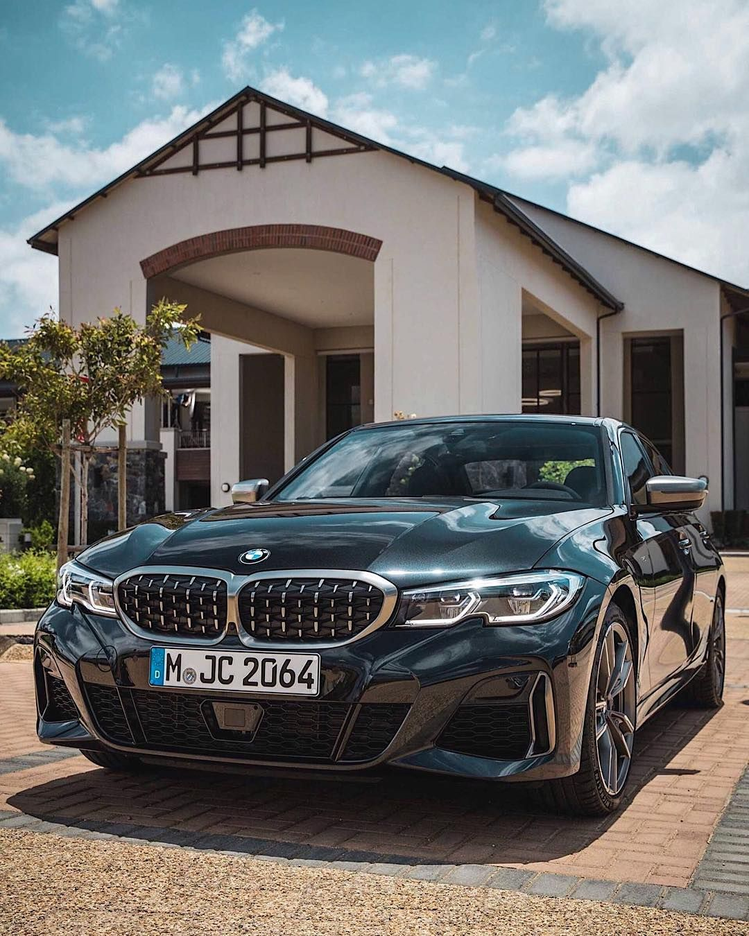 Here S One Of Our Best Live Looks At The New Bmw M340i Xdrive This Will Be The Top G20 3 Series Model Expected To Arrive This Summer Wit Bmw New Bmw