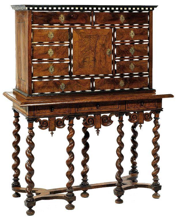 cabinet louis xiii recherche google style louis xiii pinterest paysan secr taire et les. Black Bedroom Furniture Sets. Home Design Ideas