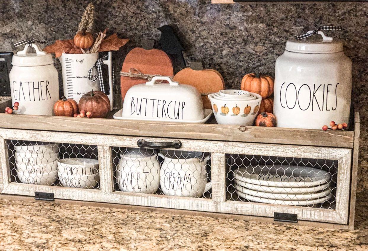 Rae Dunn Fall Display With Hobby Lobby Shelf In 2021 Kitchen Counter Decor Hobby Lobby Fall Decor Farmhouse Kitchen Decor