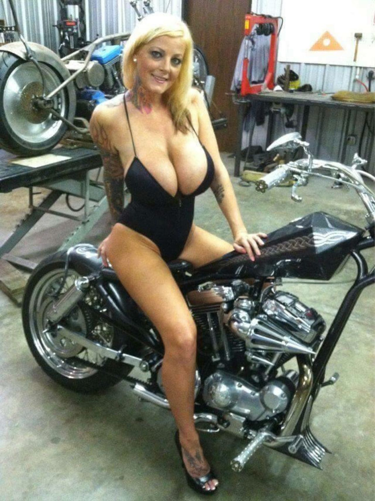 bikes girls cars on Hot and