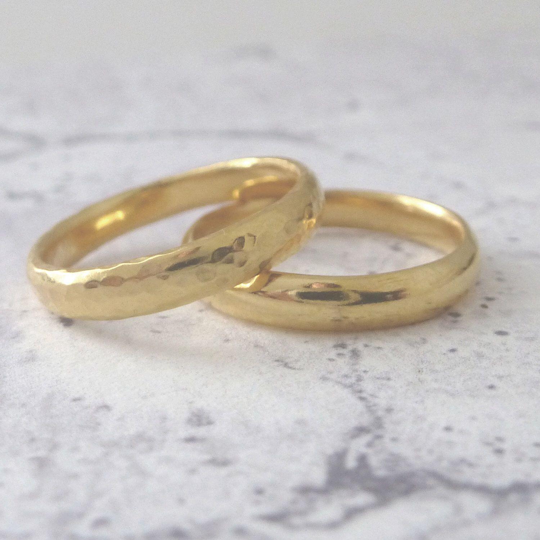 18ct Gold Wedding Band 3mm Hand Shaped Slim Court Wedding Ring