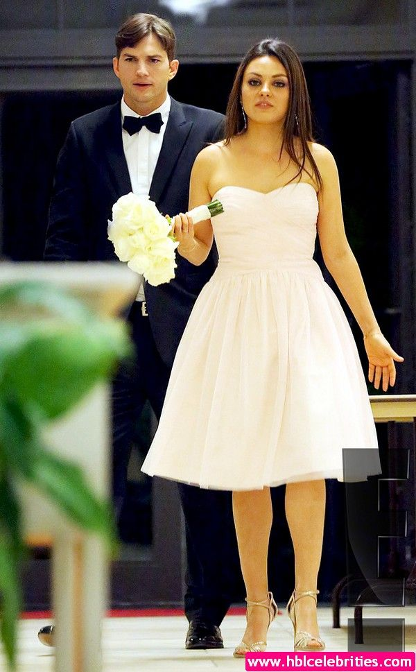 Ashton Kutcher And Mila Kunis Are Married Celebritys Milakunis Ashtonkutcher