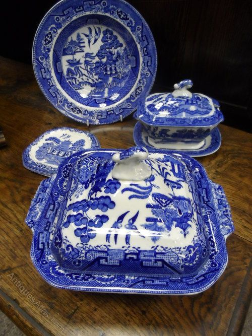 Antiques Atlas Victorian Blue And White Willow Pattern Tureen