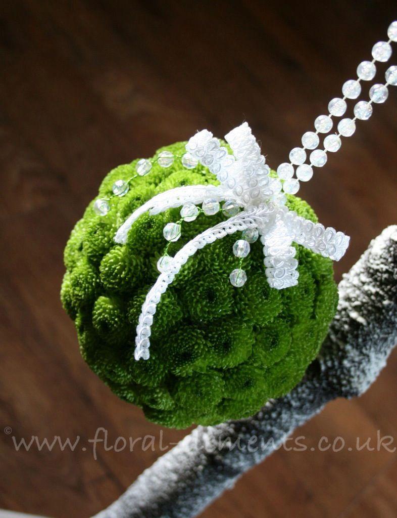 Bridesmaids pomander by Floral Elements