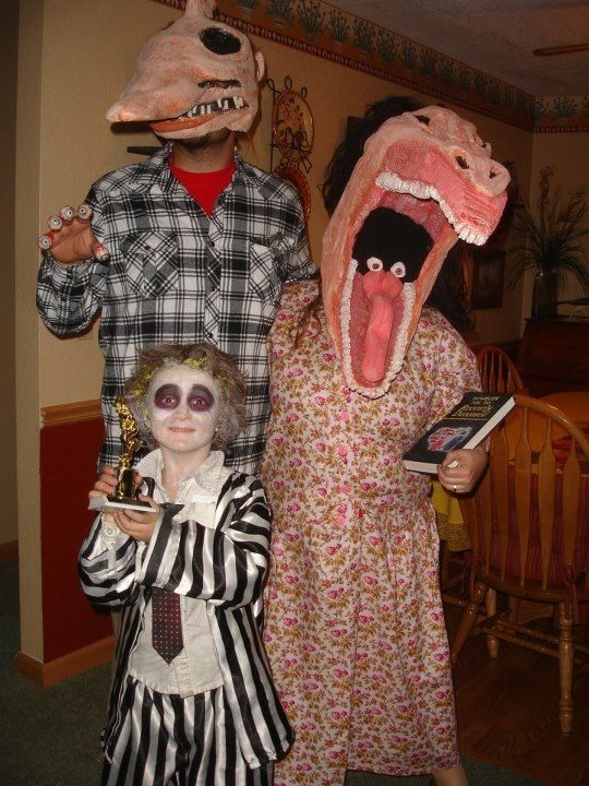 Meet the Maitlands! Beetlejuice theme family costuming!!! & Meet the Maitlands! Beetlejuice theme family costuming ...
