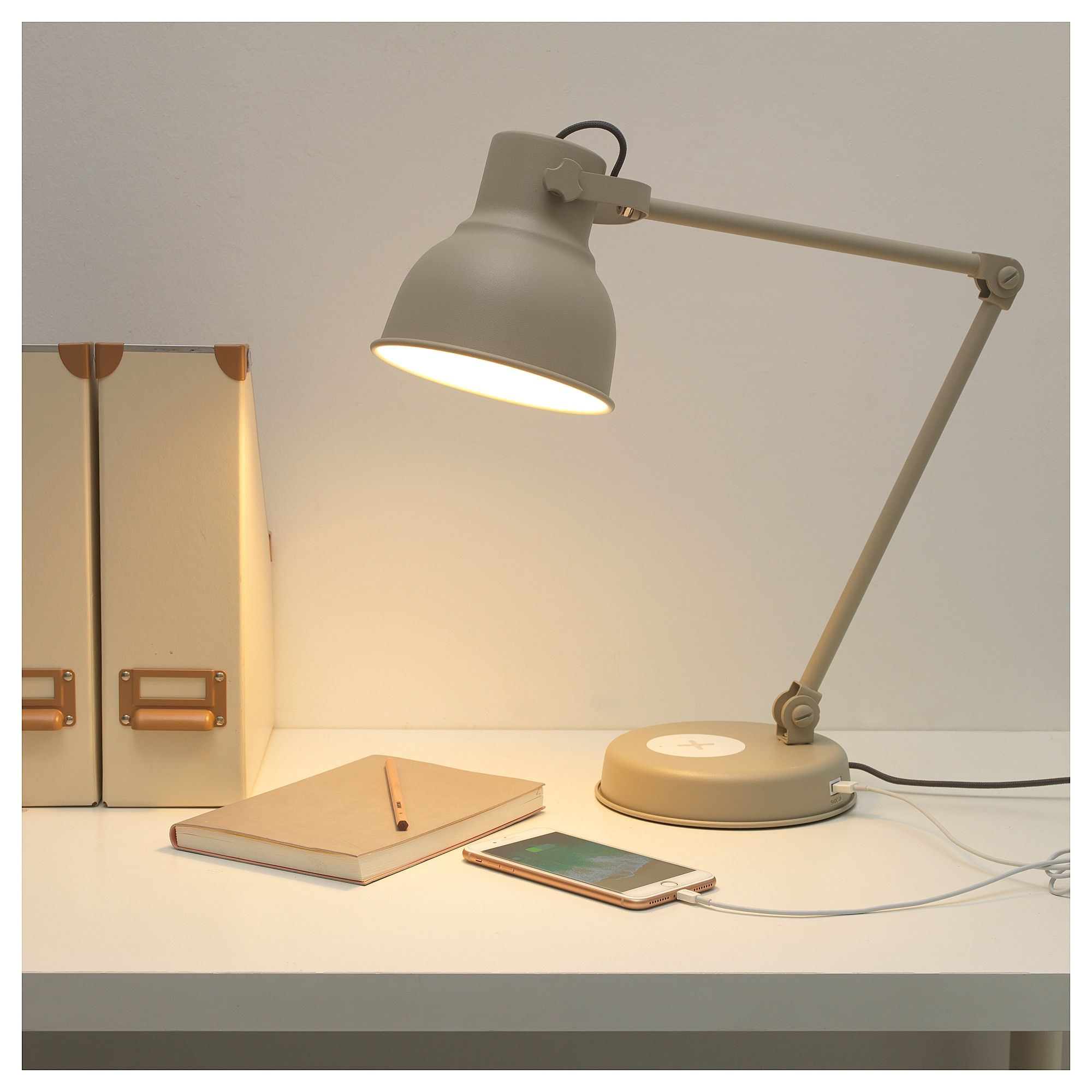 HEKTAR Work lamp wcharging+LED bulb beige i 2020 | Lampor