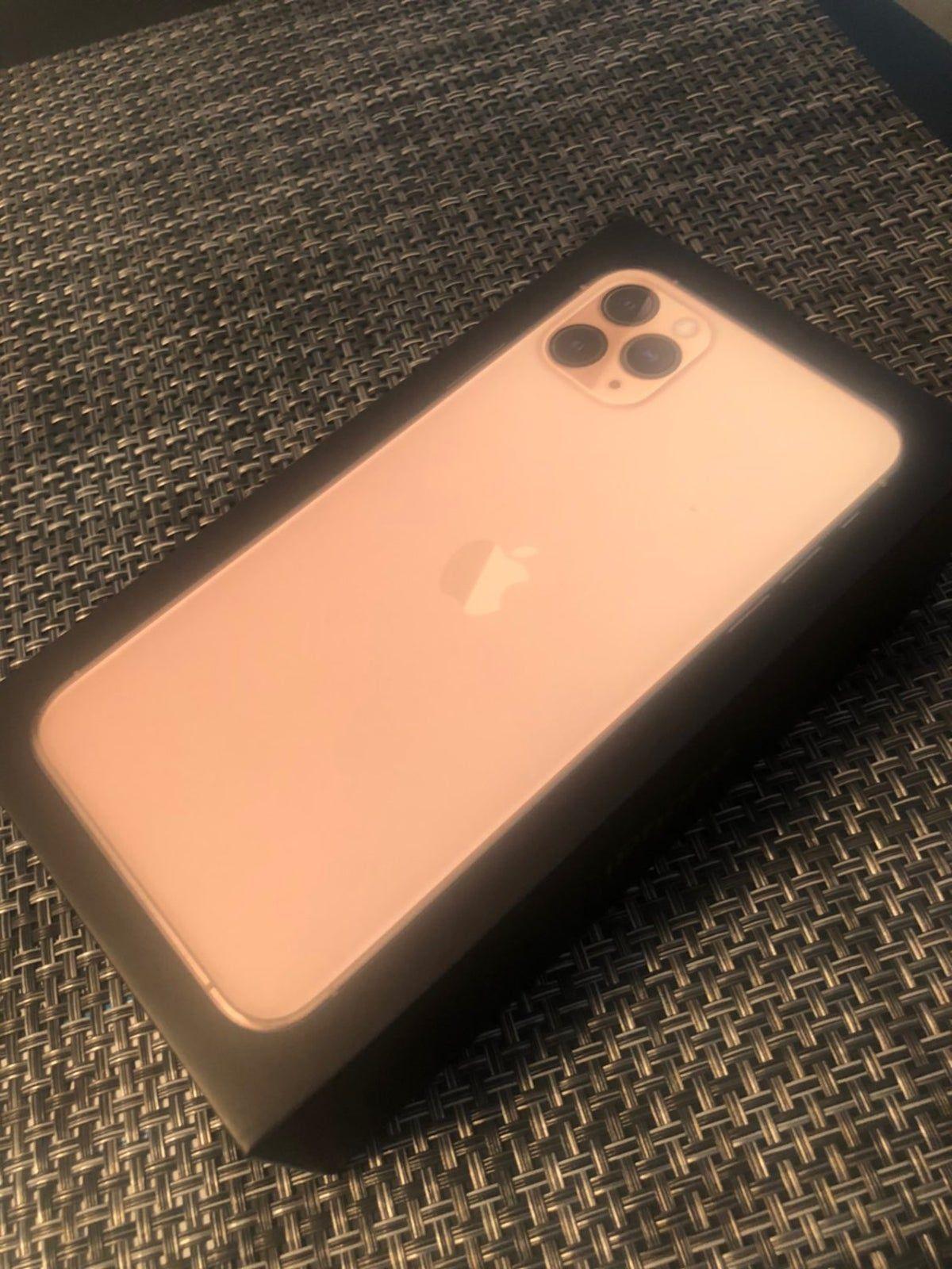 Iphone 11 Pro Max Gold 64 Gb Spectrum Iphone Iphone 11 Pro Max Iphone 11 Pro Max Gold