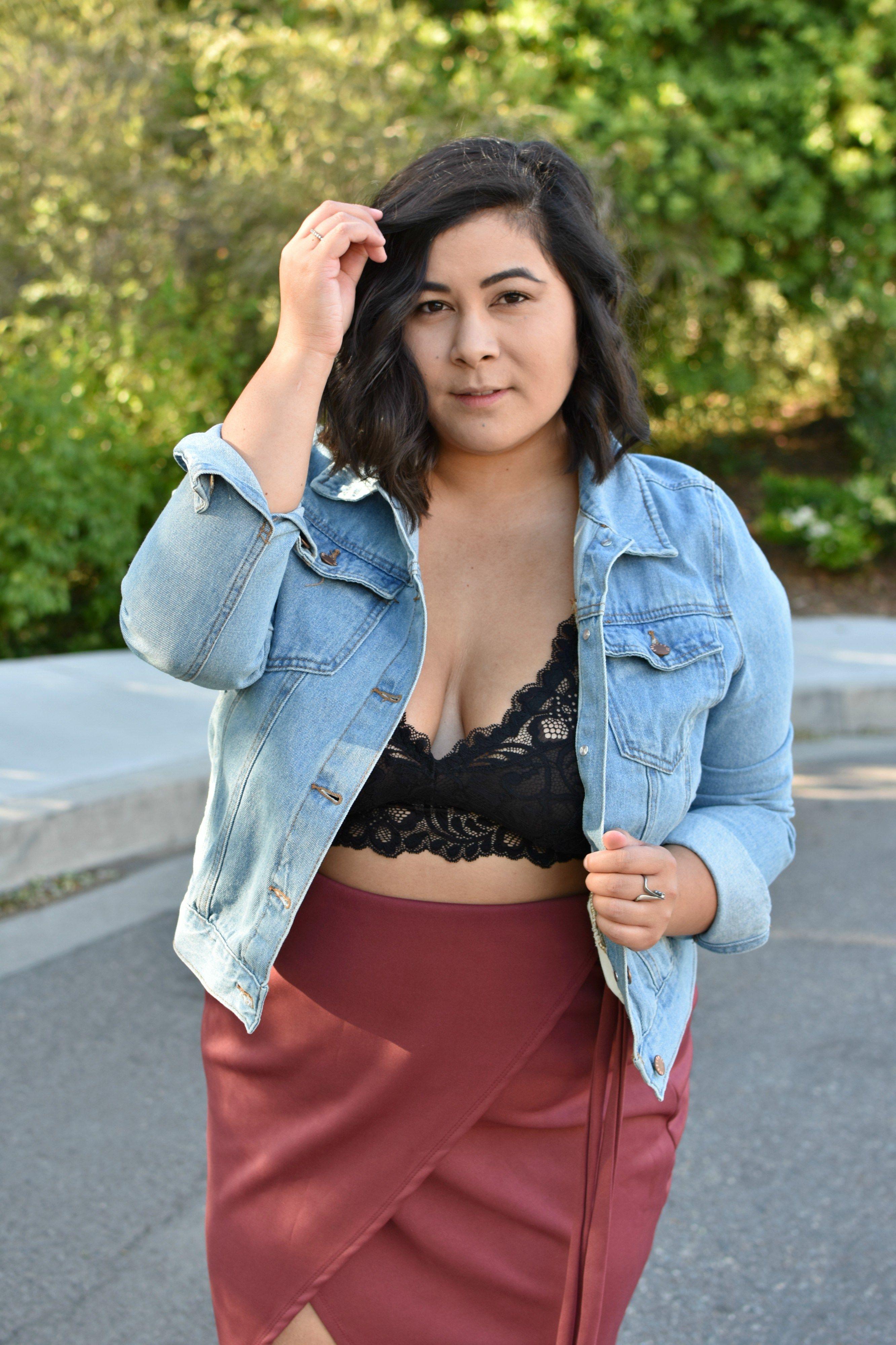 F21 Plus size jean jacket & lace bralette; OOTD | Lace bralette ...
