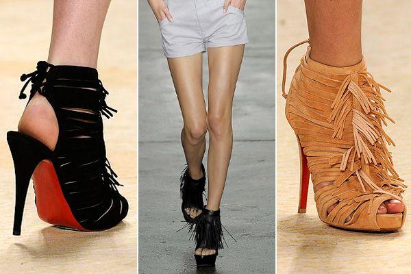 Fringed shoe