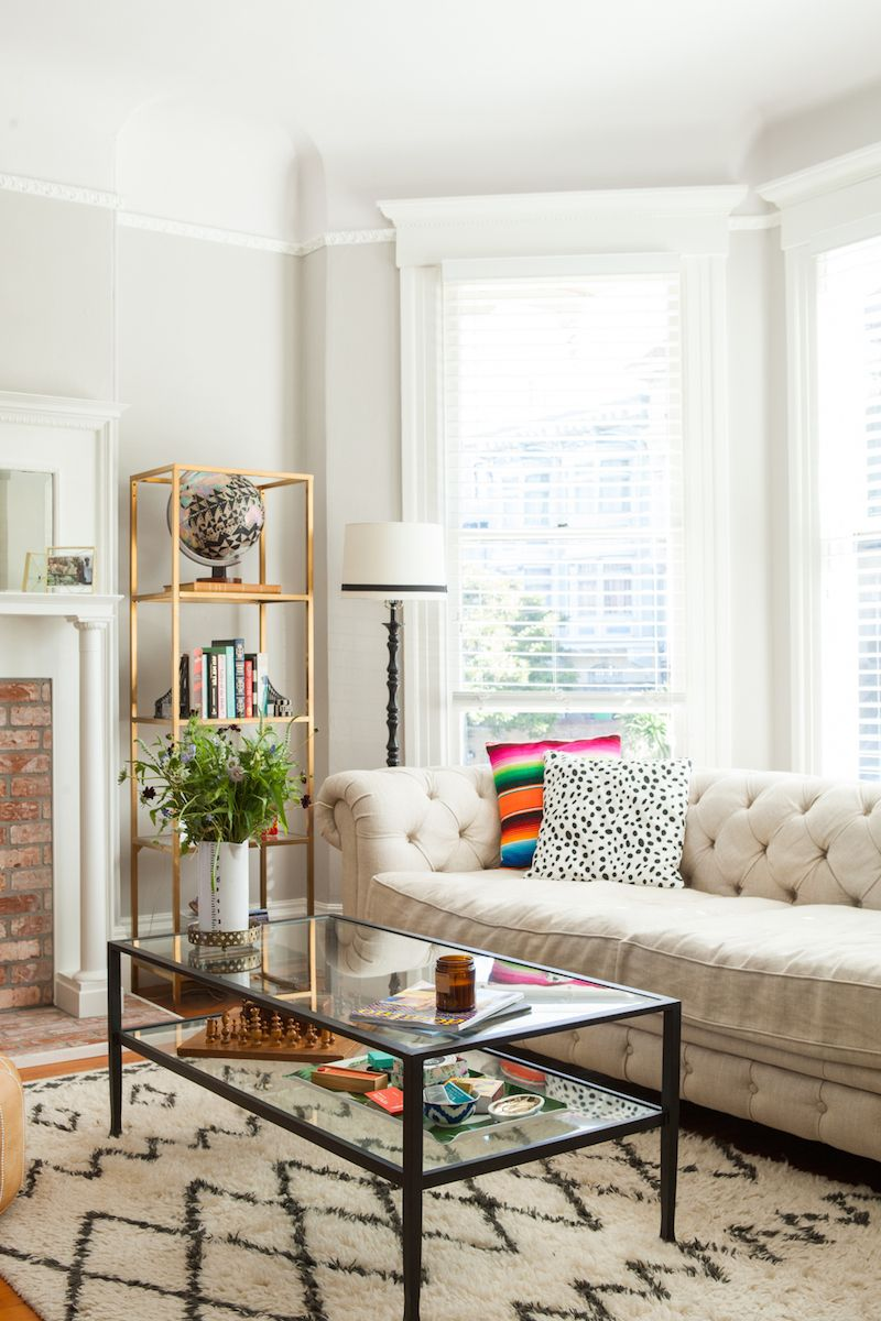 Miriam Schneider\'s San Francisco Home Tour | Tufted couch, Moroccan ...