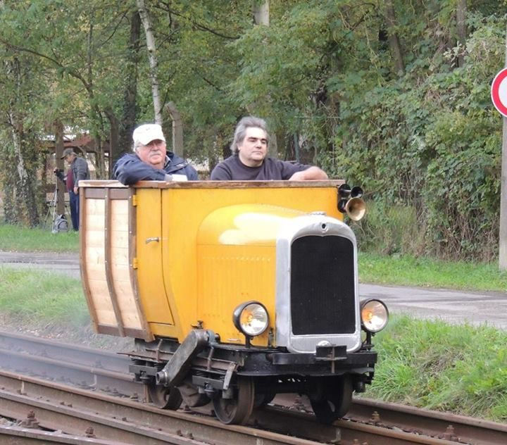 Pin By Mediarail Be On Unusual Insolite Train Pictures Rail Car Old Trains