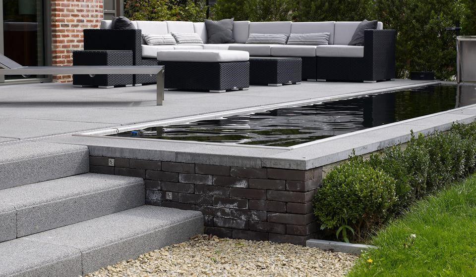 Verhoogd terras voor in de tuin tuin pinterest terras tuin en verhoogde tuinen for Terras modern huis