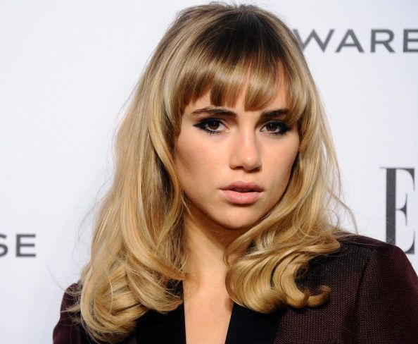 Suki Waterhouse Fringe Just Above Eyebrows High Forehead Heart Shaped Face Celebrity Bangs Natural Hair Color Natural Hair Styles