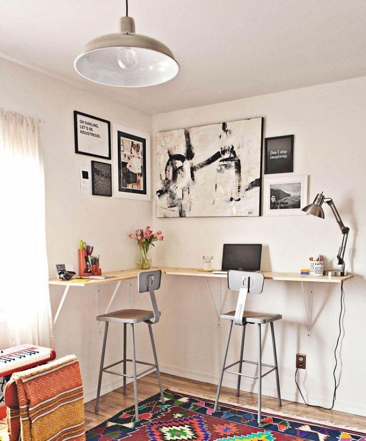 Hoch montierter an der wand schmaler schreibtisch cafe for Schreibtisch hoch