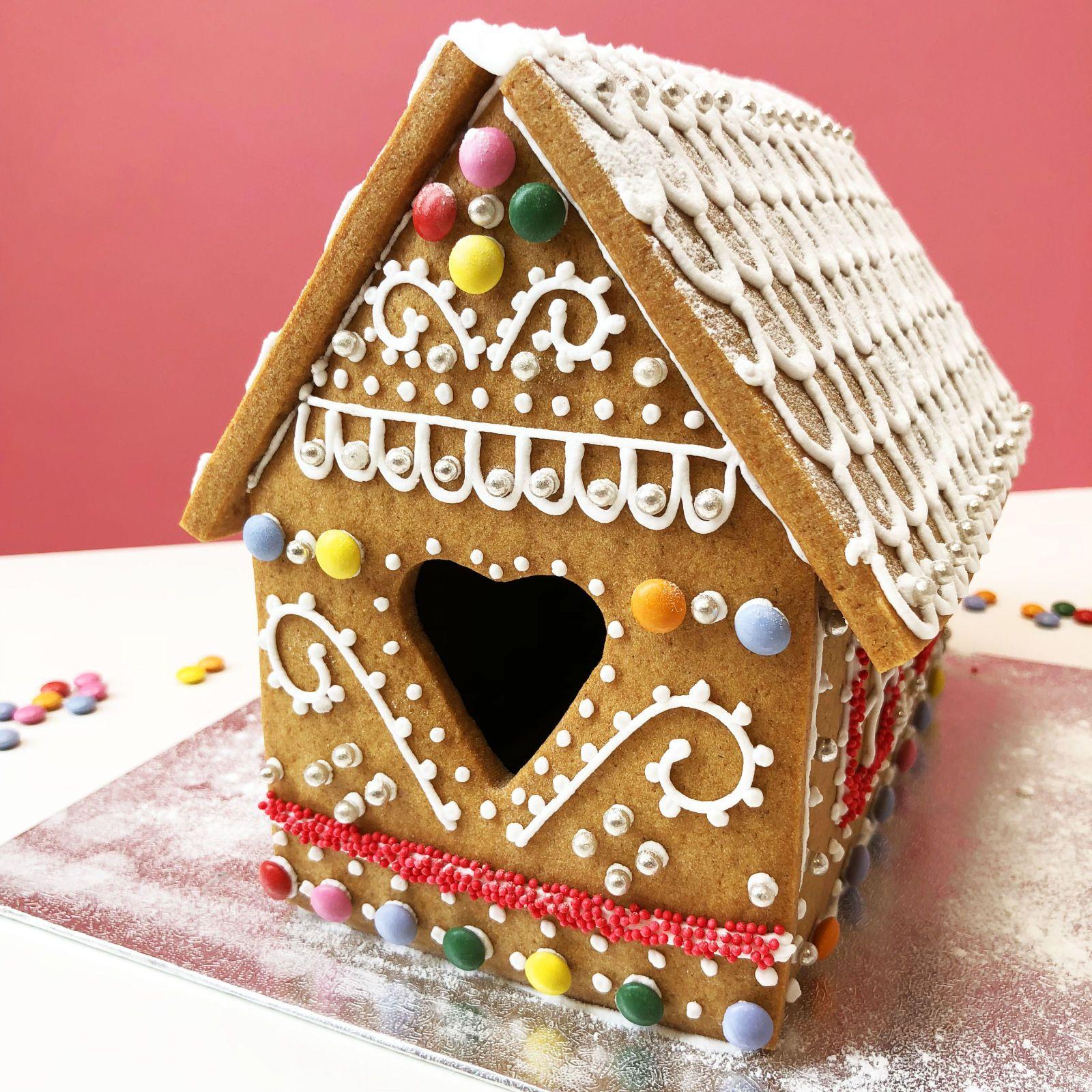 Christmas Gingerbread House Kit.This Diy Gingerbread House Kit Helps You Make An Edible
