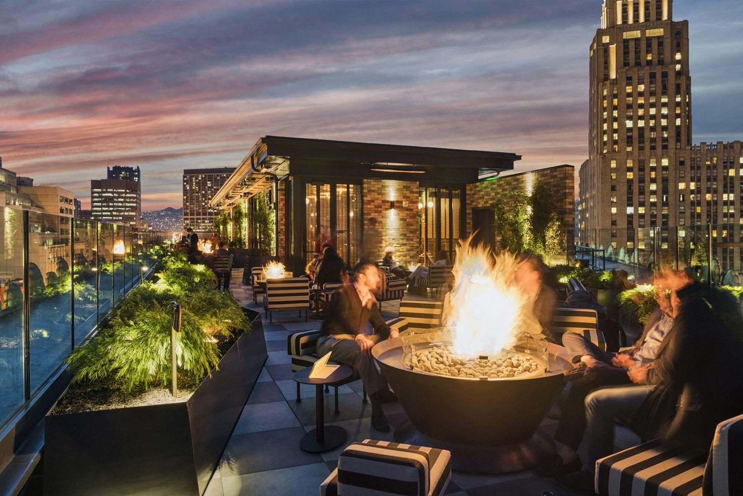 Lifestyle Luxury Hotels In The Usa Proper Hotels San Francisco Bars Best Rooftop Bars San Francisco Hotel