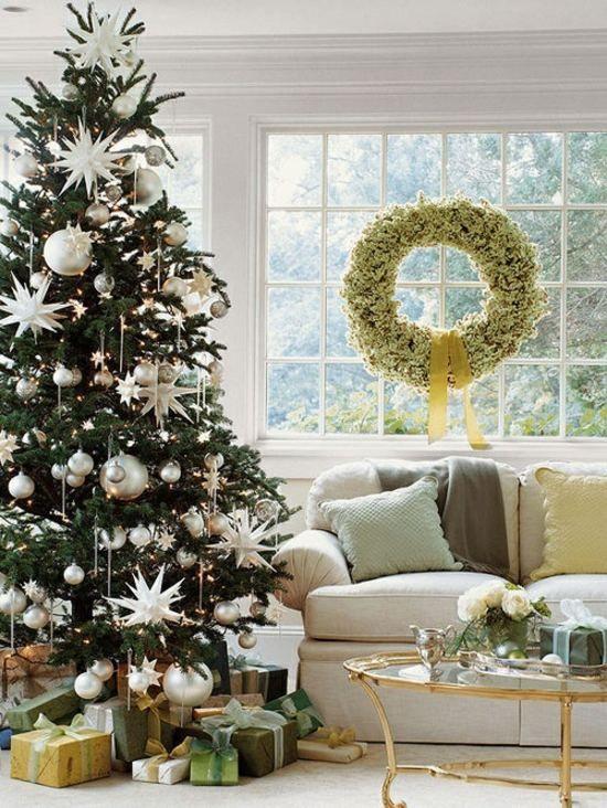christbaum traditionell silberne kugel sterne schmuck weihnachtsdekoweihnachten pinterest. Black Bedroom Furniture Sets. Home Design Ideas
