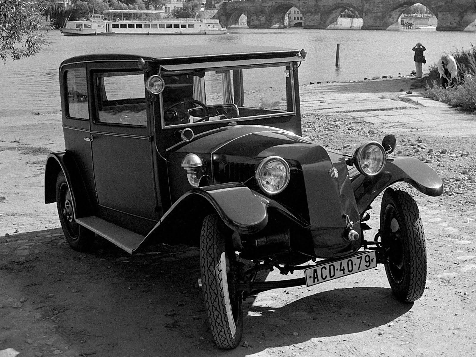 a history of the innovations in the car industry in the 1920s American automobile industry in the 1950s  a number of innovations were either invented or improved sufficiently to allow for mass  but by the 1920s,.