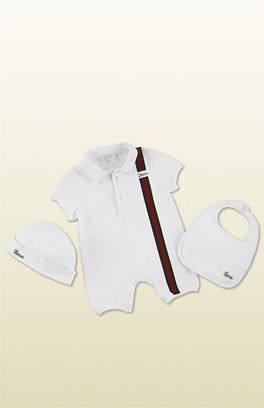 0af4730f0b2e6 Gucci - newborn   gift sets