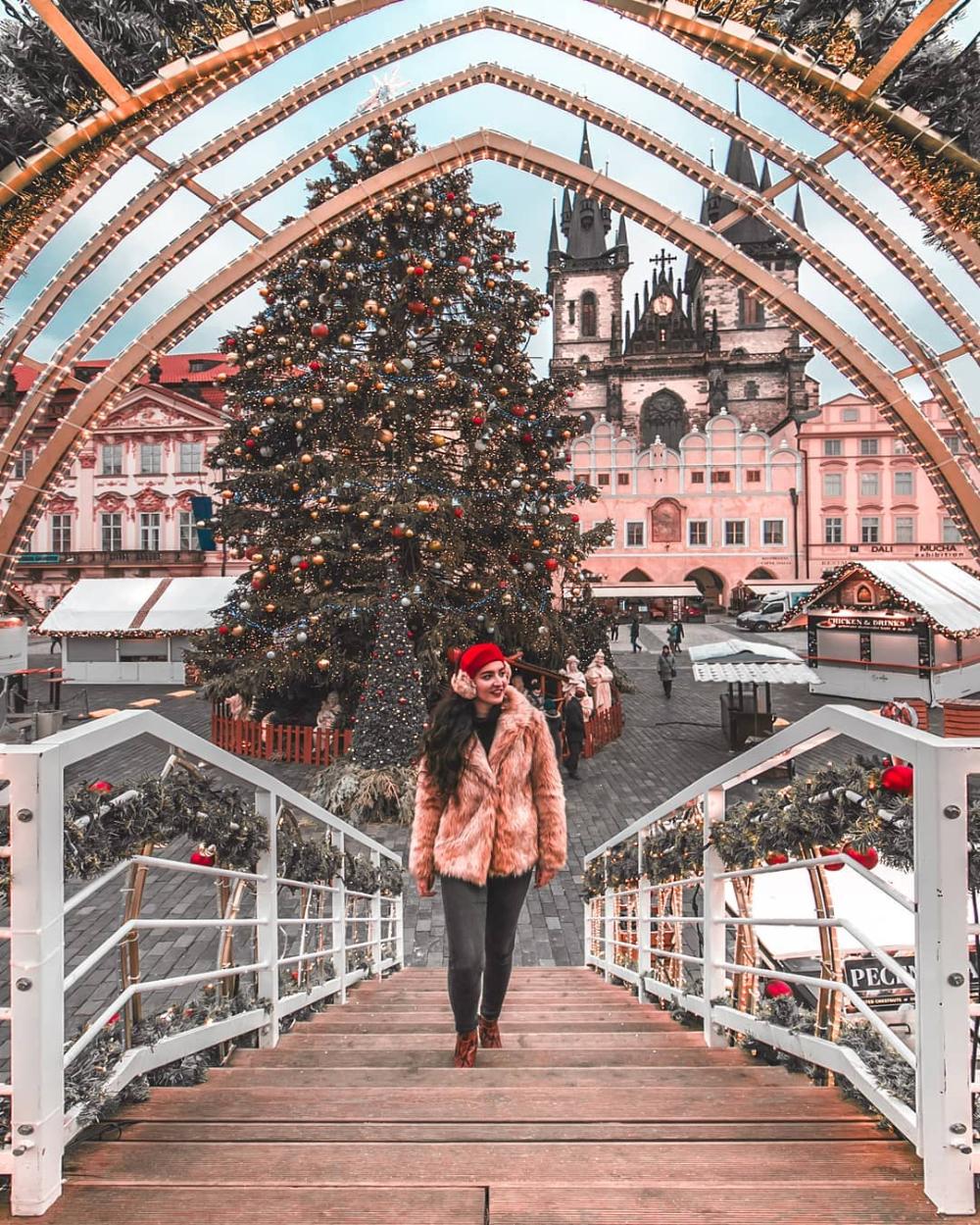 Alexane Thetravellingfrenchy Prague Czech Republic Instagram Spot Prague Czechia Czechrepublic In 2020 Prague Christmas Market Prague Christmas Christmas Market