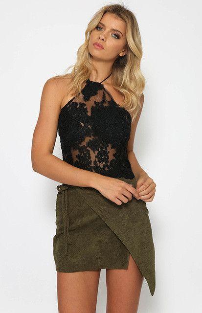 Summer Women Lace Crop Tops Elegant White / Black Backless Sexy Gauze Cami Spaghetti Strap Short Halter Beach Cropped Tank Top