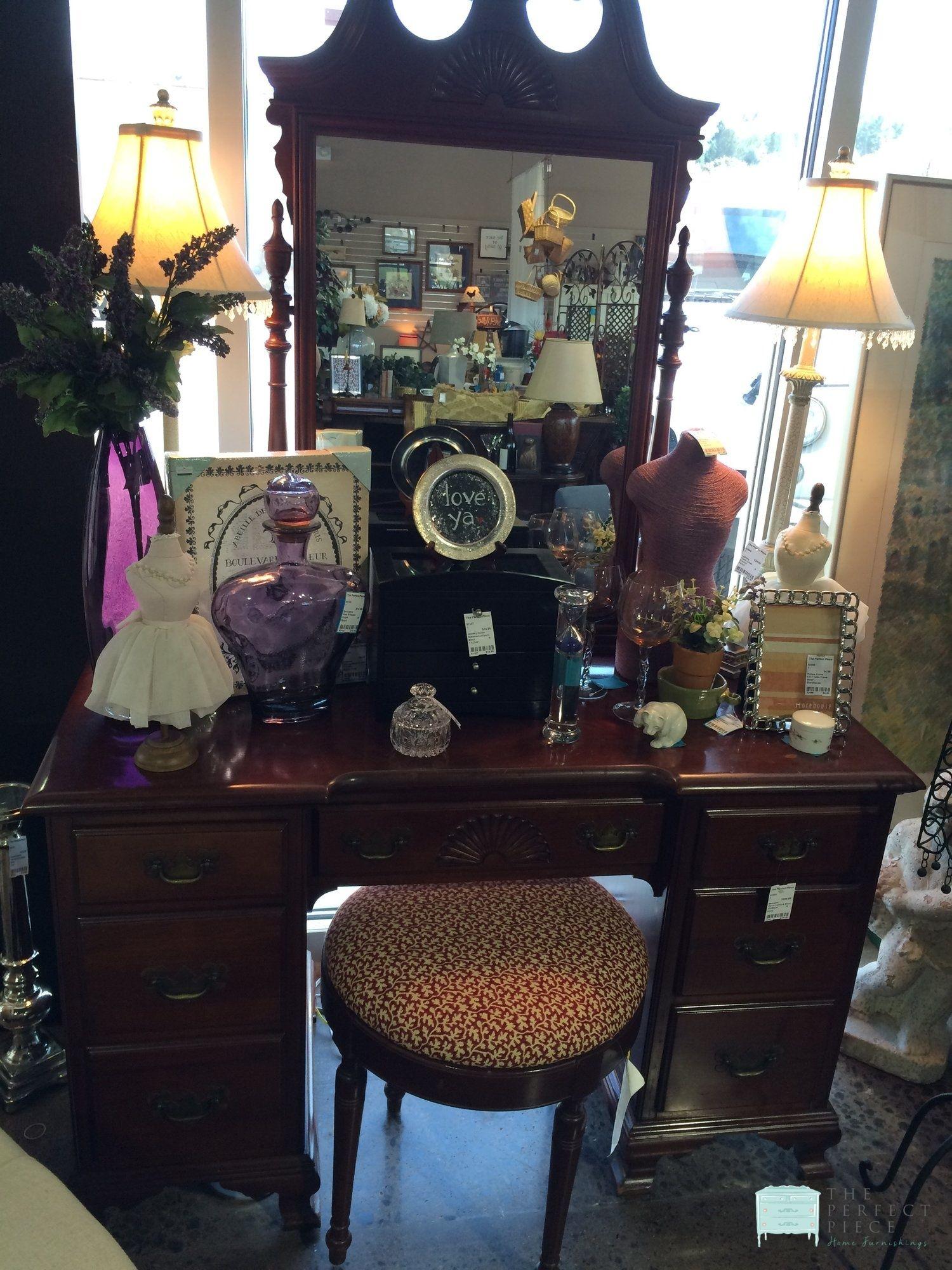 Mahogany Vanity with Mirror & Stool This 7 drawer vanity
