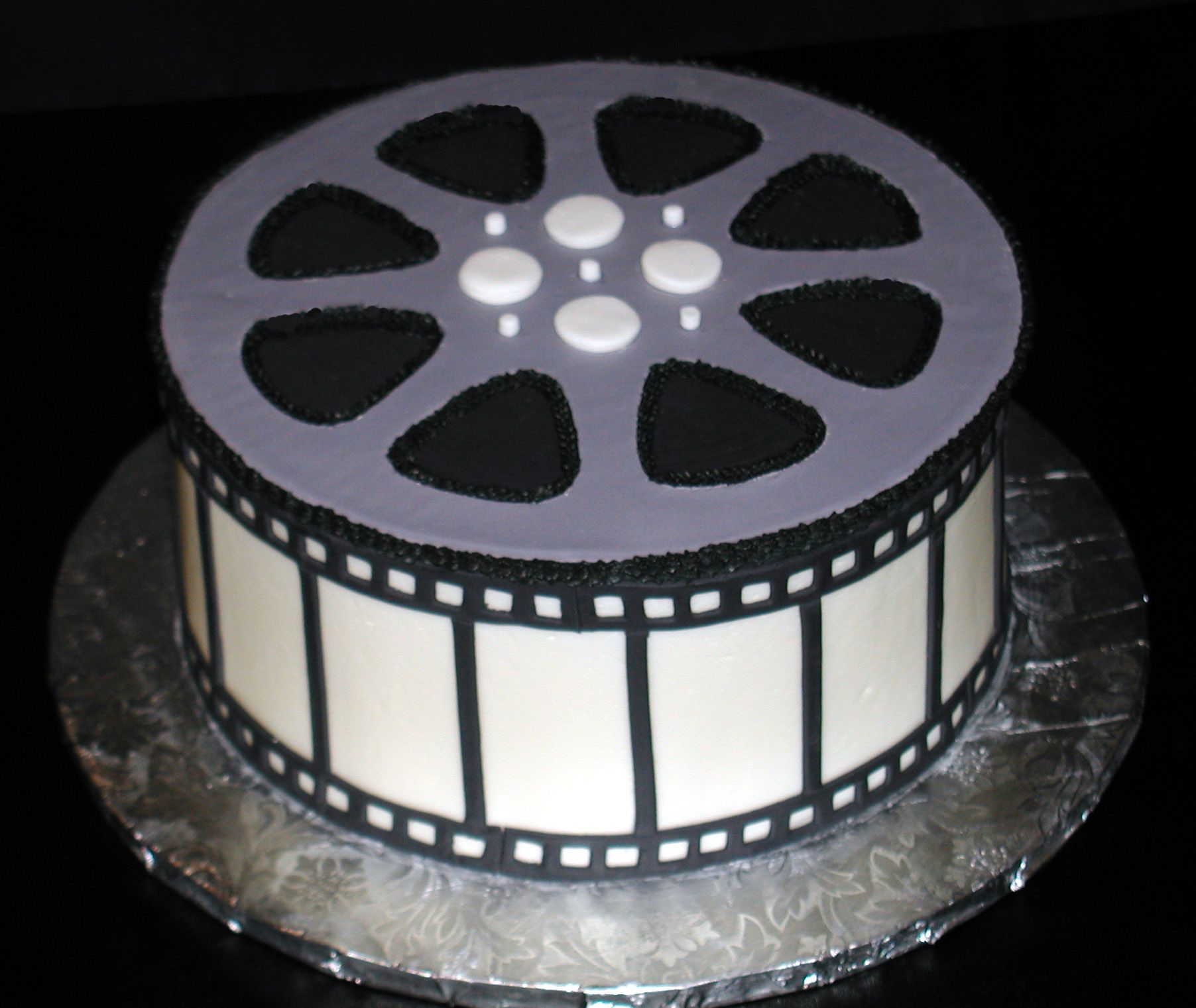 Cake With Photo Reel : Film Reel - Buttercream Icing on Sides with Fondant on Top ...