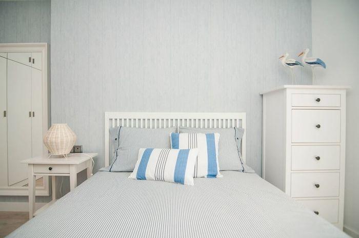 Une tête de lit volet - Le dernier exemple de tête de lit Ikea