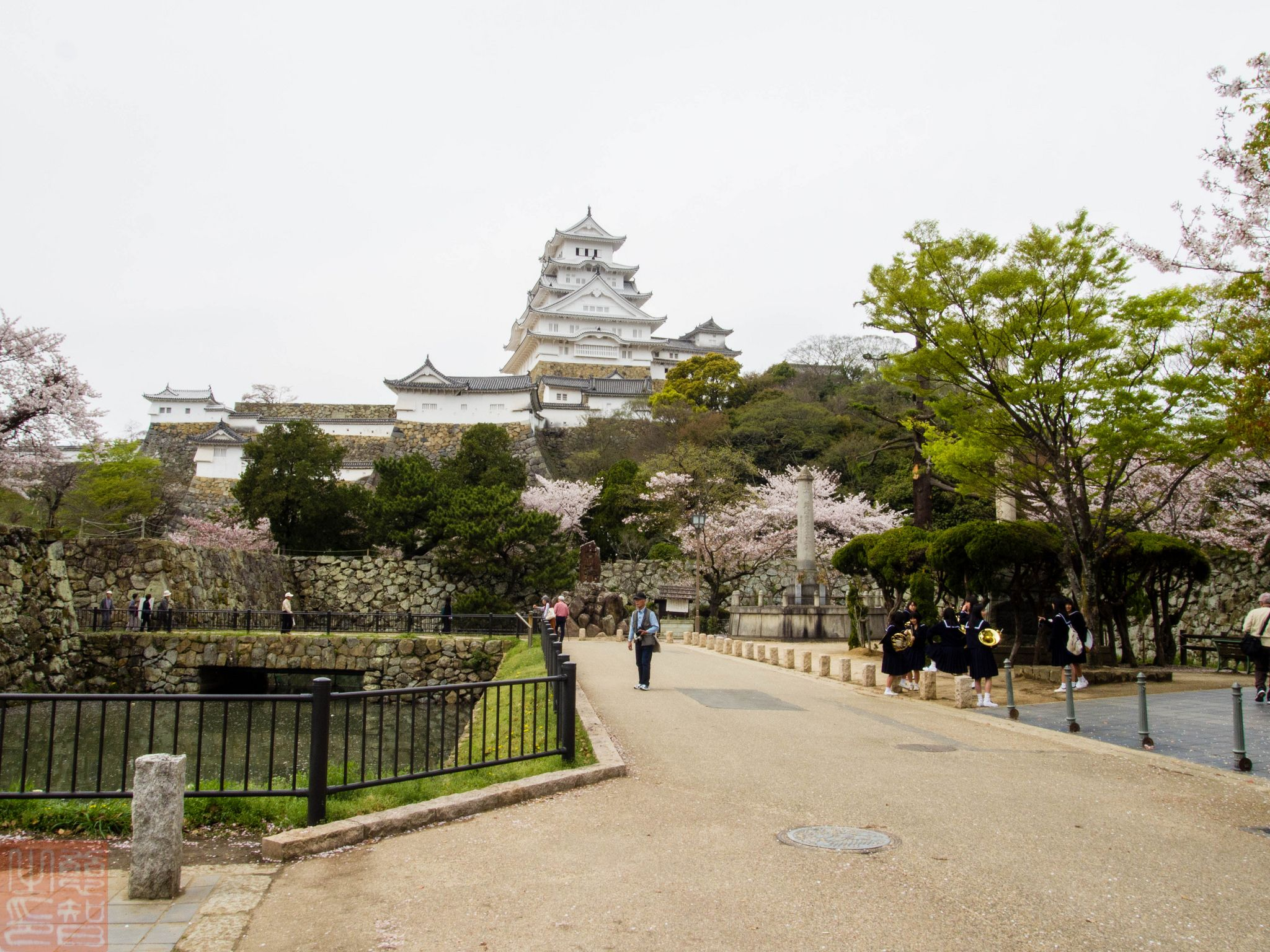 https://flic.kr/p/G15kM8 | Himeji Castle 2016 | Himeji Castle today is a beautiful Japanese castle located about one hour west from Osaka. Today more than 2 million visitors last year  since it reopened in 2015 after being closed from 2009 for extensive restoration works on the main keep or bailey, mostly replaced the roof and external white plaster. In 2015, there were 2.87 million visitors compared with the local population of about 600,000. This has become the most popular castle to…