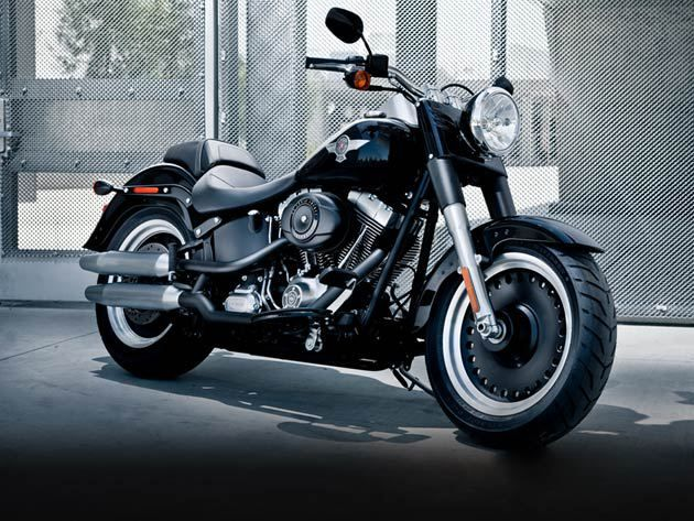 Now Harley Davidson Bikes In India At Slashed Prices Classic Harley Davidson Harley Davidson Fatboy Harley Davidson Helmets