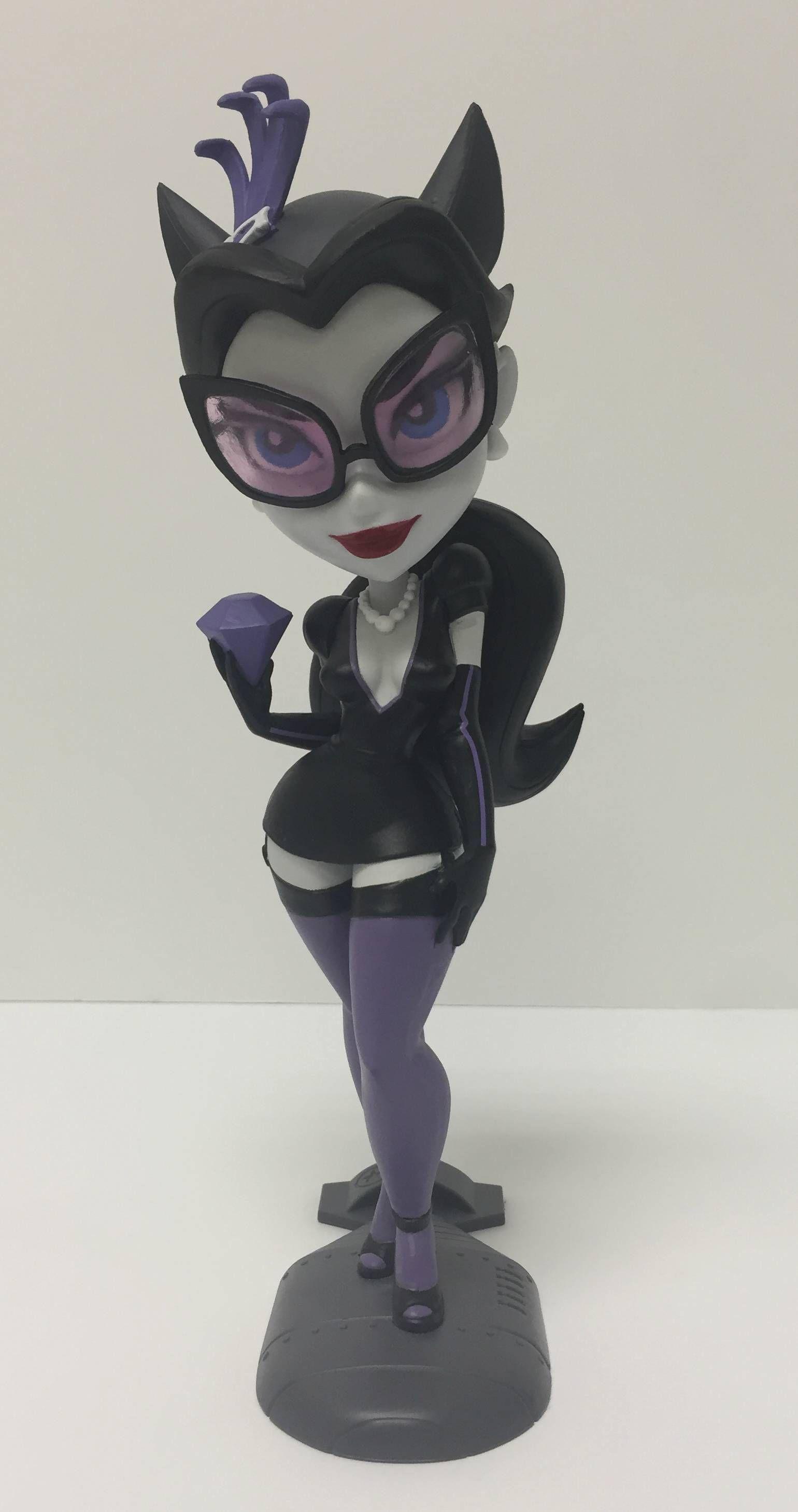 "DC Bombshells Catwoman 7"" Noir Vinyl Figure (SDCC 2016"