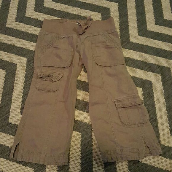 Hollister Cargo Capris Cute and soft. Brownish-gray with greenish stitching. Hollister Pants Capris