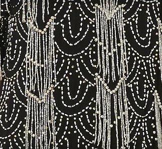 Biba - House of Fraser - Robe 'Vaguelettes' - Perles Argent sur Fond Noir