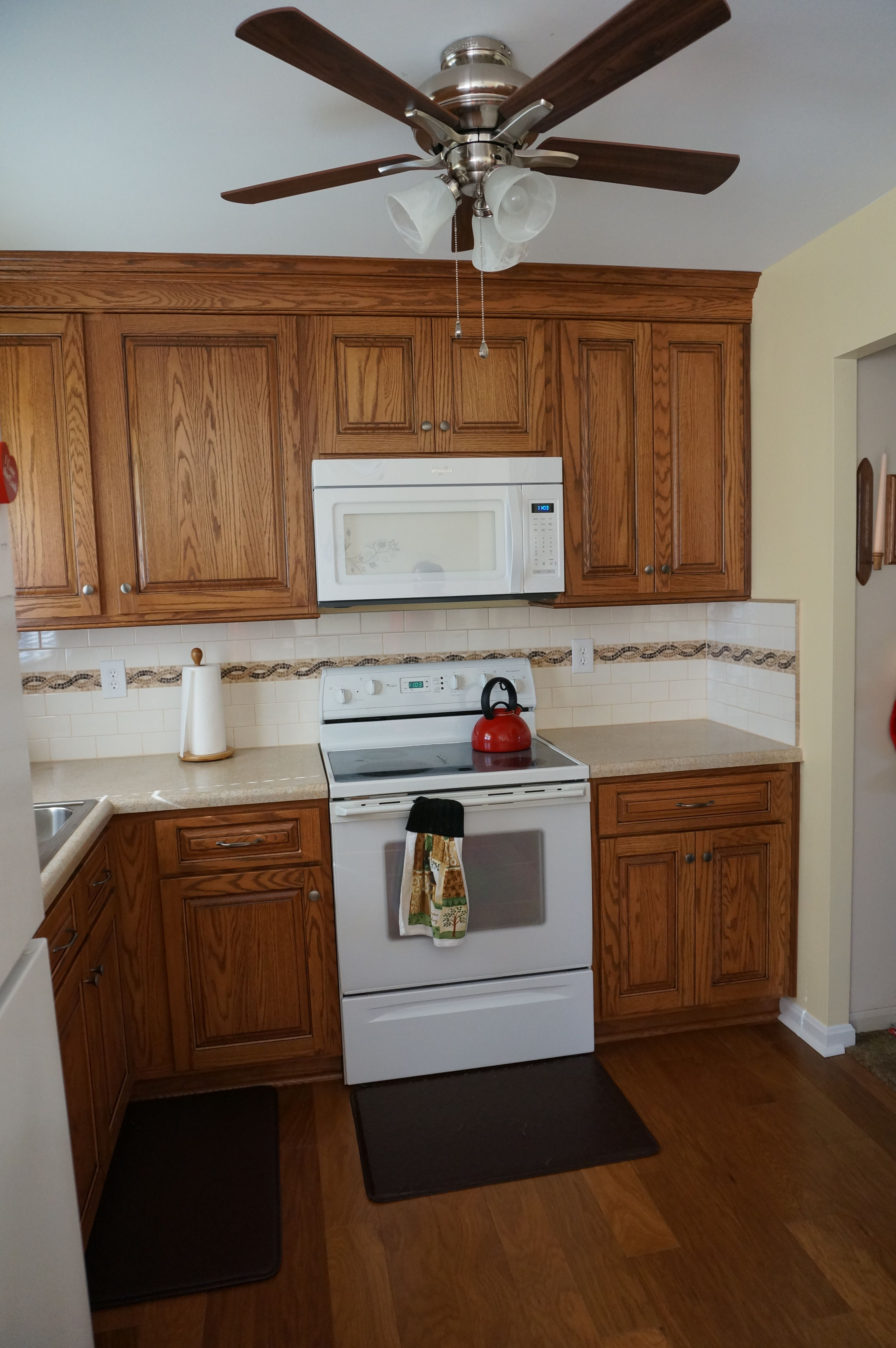 Best Aspect Cabinetry Oak Autumn Stain With Black Accent 400 x 300