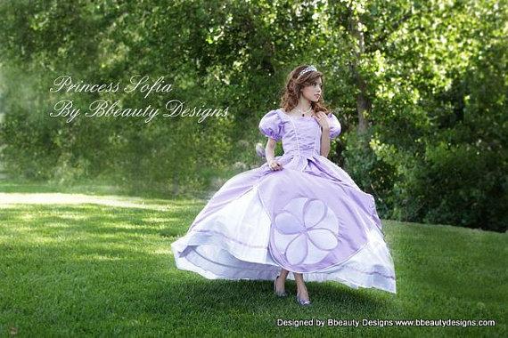 La primera princesa Sofía inspirado vestido - tamaño adulto con perlas