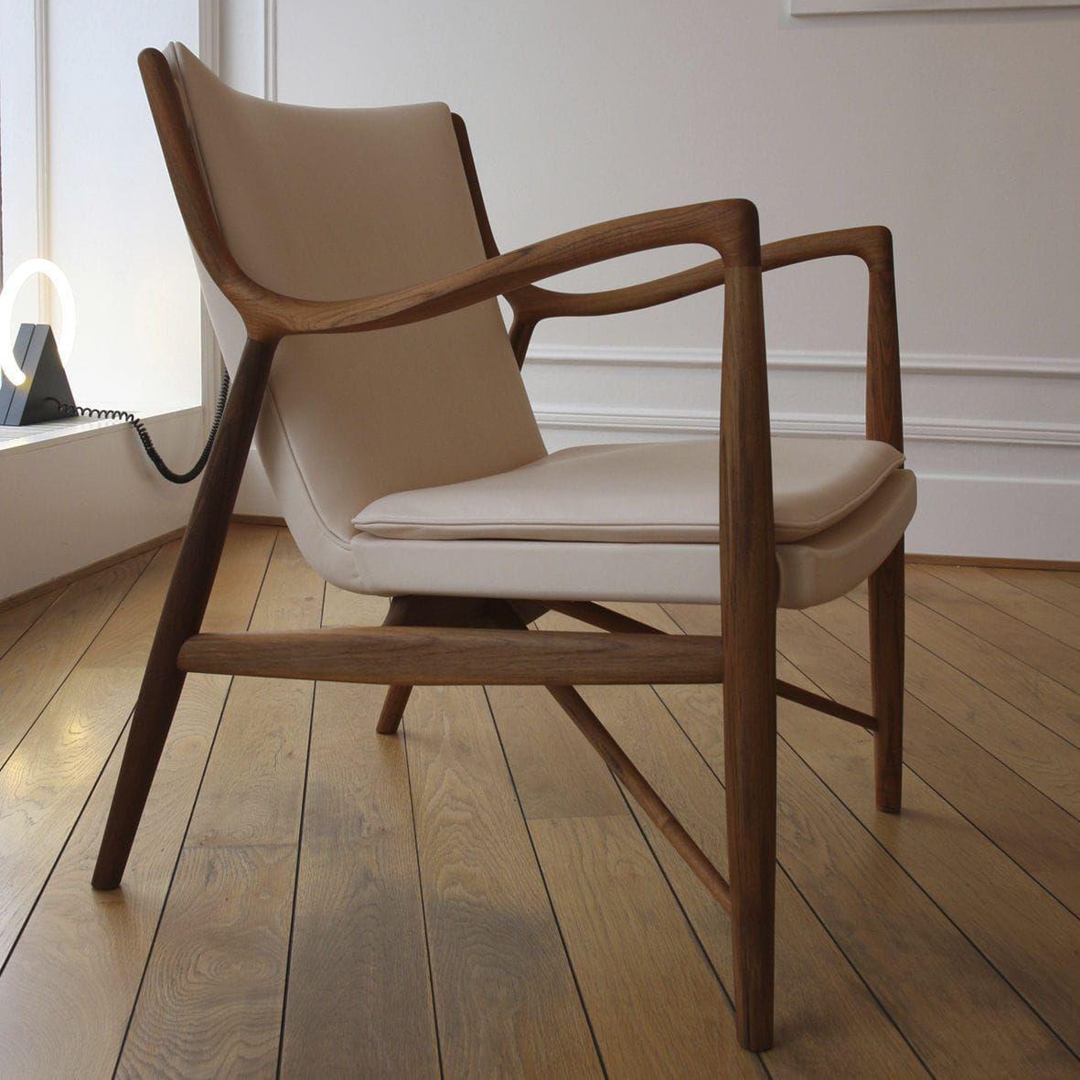 Fauteuil design scandinave en bois en tissu en cuir 45 ONE