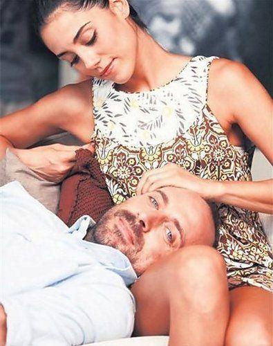 Binbir Gece Photo Berguzar Halit Turkish Actors Actors Beauty And The Beast