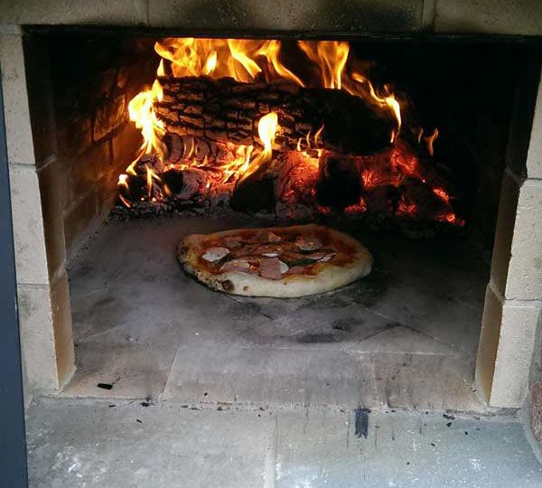 Wood-Fired Outdoor Brick Pizza Oven by the Hillman Family ...