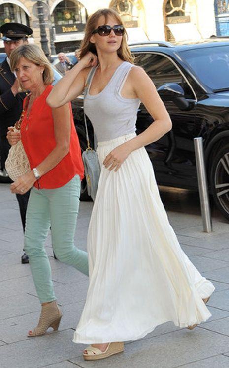 Love the long, flowy skirt // Jennifer Lawrence