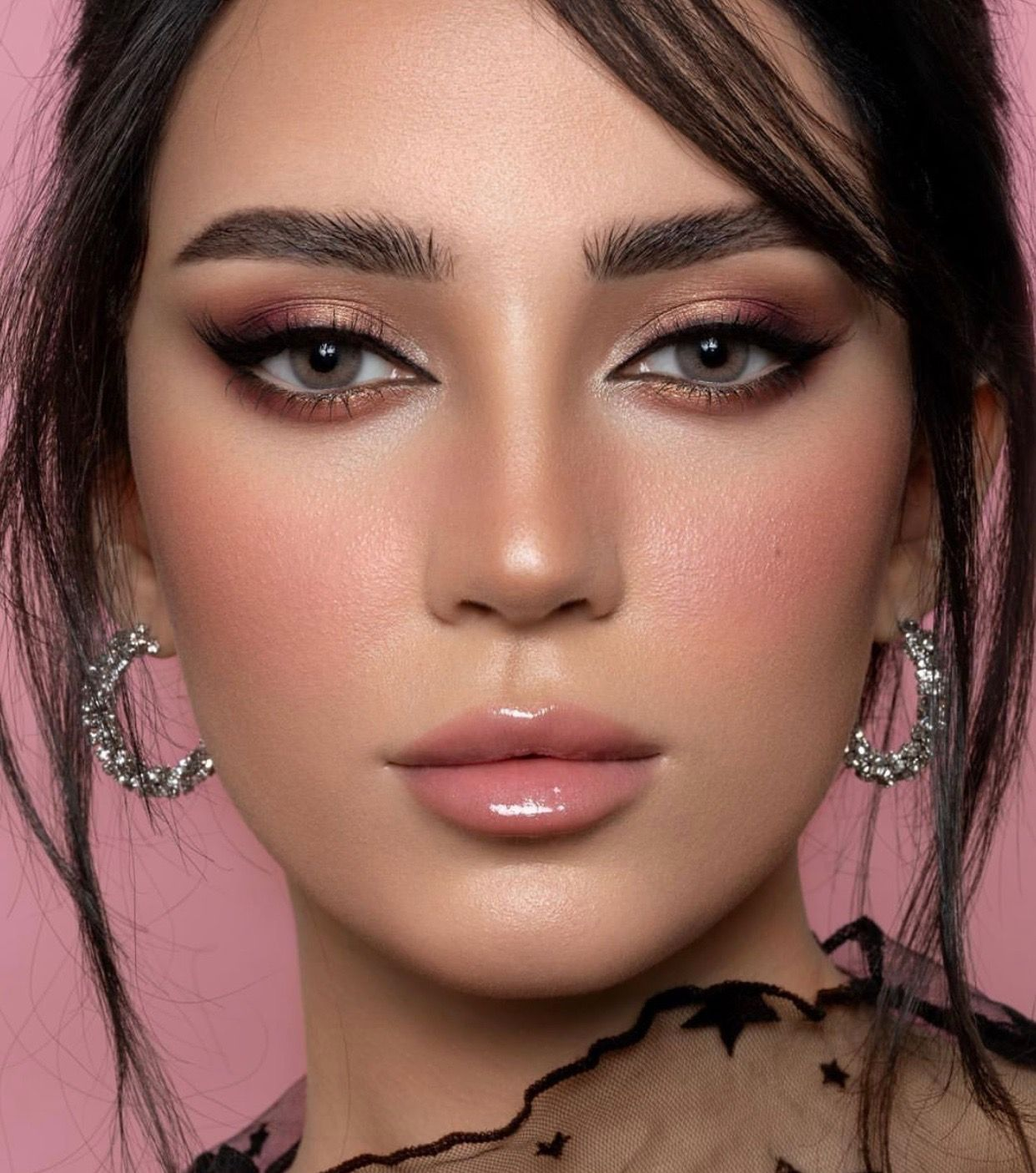 Pin by Hind Shuqqo on Makeup in 2020 Bridal makeup looks
