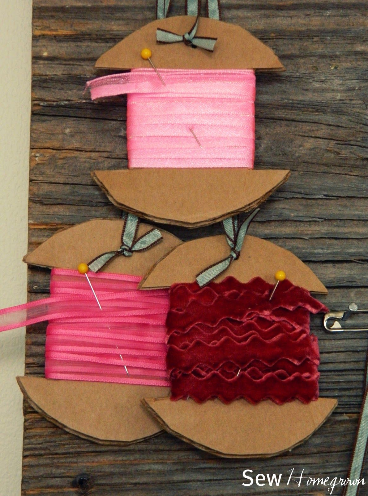 Sew Homegrown Diy Ribbon Storage Ribbon Storage Diy Ribbon Cardboard Storage